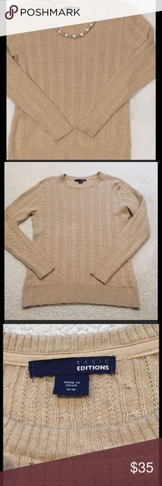 ✨price drop✨Basic Editions tan sweater Euc no signs of wear Basic Editions Sweaters Crew & Scoop Necks