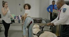 The Most Body Positive Moment On 'Broad City' Season 3 Tackled Natural Bodily Functions | Bustle