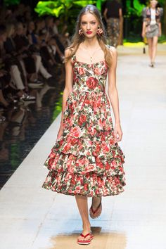 Dolce & Gabbana - Spring 2017 Ready-to-Wear  Dolce & Gabbana - Spring 2017 Ready-to-Wear
