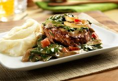 Beef Sirloin Steak with Baby Spinach. If you've never tried sirloin steak, give this family-pleasing version a try. It features a creamy sauce flavored with balsamic vinegar. Spinach Recipes, Beef Recipes, Cooking Recipes, Recipies, Yummy Recipes, Sausage Recipes, Kitchen Recipes, Cooking Tips, Soup Recipes