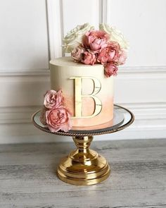 A beautiful way to announce your engagement with a gorgeous matt rose gold topper etched My rustic romance cake with unfinished edges Elegant Birthday Cakes, 50th Birthday Cake For Women, Birthday Cake For Women Elegant, Birthday Cake Roses, 25th Birthday Cakes, Beautiful Birthday Cakes, Homemade Birthday Cakes, Beautiful Cakes, Beautiful Gorgeous