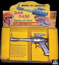 Space Guns - DAN DARE AQUA JET GUN - LONE STAR - ENGLAND 1954 - ALPHADROME ROBOT AND SPACE TOY DATABASE