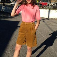 Favorite vintage high-waisted mustard-golden pleated corduroy shorts🙌🙌 Around a size 4/6- $52, shown with pink ribbed mock-neck, sz Medium. $30