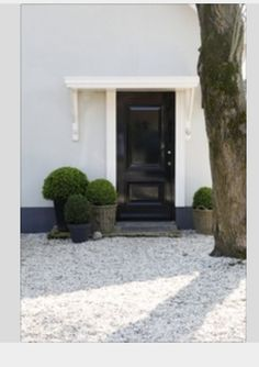 Great Front entrance - stones...black, gray and green.