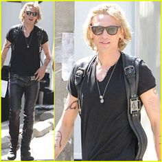Still hate Jamie Campbell Bower as jace. And why are their runes like randomly here and there and not like the book covers????