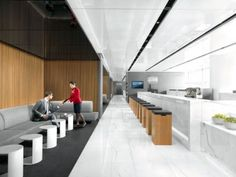 Hong Kong-flag carrier Cathay Pacific has unveiled its new lounge at Hong Kong International airport, promising a new level of comfort and convenience. Banquette Seating In Kitchen, Corner Seating, Lounge Seating, Lounge Design, Air France, Hong Kong Airport Lounge, Office Interior Design, Office Interiors, Area Comercial