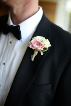 wedding flowers for groom