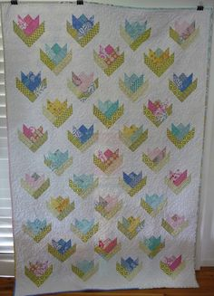 So cute looks simple. Lily quilt by M@rg sunshineparadise, via Flickr