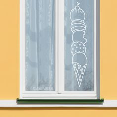 Delicious ice cream # window drawing to celebrate summer. This design is specially designed ., Delicious ice cream # window drawing to celebrate summer. This design is specially designed for narrow windows. Summer Decoration, Brighten Room, Single Hung Windows, Chalk Drawings, Window Drawings, Front Rooms, Chalk Markers, Ideas Geniales, Window Styles