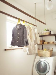 Hanging rods in the laundry room English Decor, Studio Room, Laundry In Bathroom, Washroom, Interior Stairs, Natural Home Decor, Japanese House, Home And Deco, Fashion Room