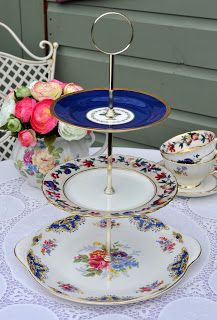 cake stand heaven: Blue and White Renaissance