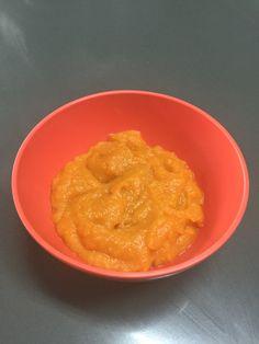 Papilla de camote y manzana  Ingredientes - 1 manzana  - 1 camote chico   Procedimiento: En una olla con agua hirviendo poner la manzana sin cáscara y el camote hasta que estén tiernos. Licuar la manzana y el camote, agregar agua si es necesario de la misma.