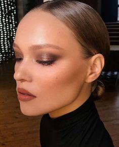 Smokey eye makeup looks, party makeup looks, evening makeup looks, sultry makeup looks, full glam makeup looks Glam Makeup, Skin Makeup, Makeup Inspo, Bridal Makeup, Wedding Makeup, Makeup Inspiration, Makeup Tips, Beauty Makeup, Beauty Desk