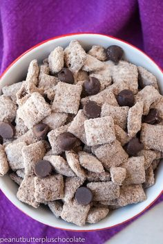 Healthy Peanut Butter Chocolate Protein Puppy Chow Please tell me that I'm not the only one that's addicted to coffee. It's a problem, I know–I'm dealing with it the best I know how (AKA, drinking it every single … Protein Desserts, Healthy Protein Snacks, Healthy Desserts, High Protein, Protein Bars, Healthy Cooking, Healthy Chocolate Snacks, Diet Desserts, Protein Pancakes