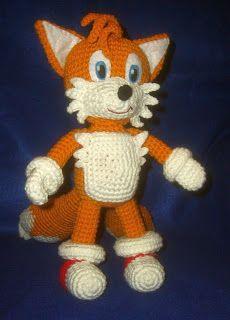 Ravelry: Tails Plushie pattern by Linda Potts Free Crochet Pattern Crochet Fox, Crochet Patterns Amigurumi, Amigurumi Doll, Crochet Animals, Crochet Dolls, Free Crochet, Plushie Patterns, Doll Patterns, Stuffed Animal Patterns