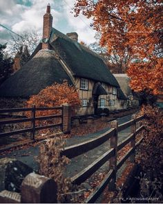 Photos Of Britain 🇬🇧 ( Beautiful World, Beautiful Places, Beautiful Pictures, Autumn Aesthetic, Autumn Photography, English Countryside, Cabins In The Woods, Beautiful Buildings, Around The Worlds