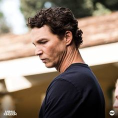 Tonight at on TNT, don't miss an all-new episode of Animal Kingdom. Shawn Hatosy, Animal Kingdom, Favorite Tv Shows, That Look, Actresses, Actors, Music, Movies, Animals