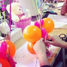 El toque final a un ramillete de globos encantador / The finishing touch to a charming balloon bunch