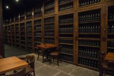 The Old Blandy Wine Lodge Adegas de São Francisco      The Old Blandy Wine Lodge Adegas de São Francisco, se o vinho da Madeira parece ex...