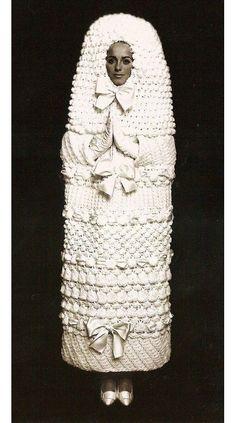Robe de mariée Yves Saint Laurent en 1965 http://www.vogue.fr/mariage/inspirations/diaporama/robes-de-marie-vintage-vues-sur-pinterest-dior-ysl-balenciaga-pierre-cardin-birkin-bardot/22344#robe-de-marie-yves-saint-laurent-en-1965