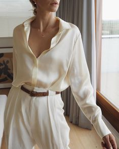 15 Satin & Silk Shirts To Buy Now Mode Outfits, Fall Outfits, Casual Outfits, Fashion Outfits, Womens Fashion, Fashion Tips, Fashion Beauty, Modest Fashion, 80s Fashion