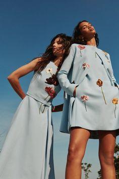 Daily Fashion, Fashion News, High Fashion, Fashion Show, Fashion Looks, Womens Fashion, Fashion Design, Fashion Trends, Fashion Bible