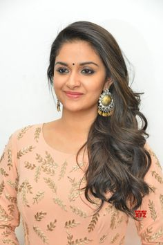 Actress Keerthy Suresh Stills From Mahanati Movie Press Meet - Social News XYZ Actress #KeerthySuresh Stills From #Mahanati Movie Press Meet