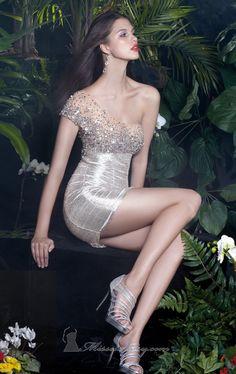 dress - http://zzkko.com/n214616-012-new-fashion-out-to-the-streets-of-Europe-and-the-United-skirt-mini-dress-evening-dress-dress-heavy-handmade-custom-wedding-dress.html $27.50