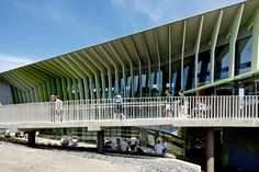 KNOX INNOVATION OPPORTUNITY AND SUSTAINABILITY CENTRE BY WOODS BAGOT