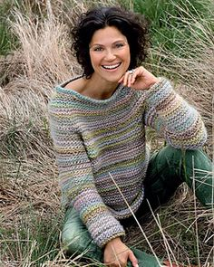 Flot sweater i retriller - Hendes Verden - Beautiful garter stitch sweater in… Knitting Stitches, Hand Knitting, Crochet Shirt, Knit Crochet, Punto Fair Isle, Diy Pullover, Knooking, Solange, Hand Knitted Sweaters