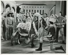 """Kathryn Grayson and Howard Keel in """"Kiss Me Kate"""" Hollywood Actor, Golden Age Of Hollywood, Classic Hollywood, Kathryn Grayson, Howard Keel, June Allyson, William Powell, Esther Williams, Gene Kelly"""