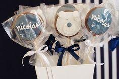 Ursos de pelúcia compõem decoração sofisticada para chá de bebê