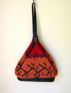 Vintage 1980s Kilim Sling Bag / 80s Bucket Tote by OurTownVintage, $86.00