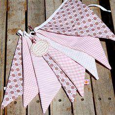 Banderines tela para decoración de fiestas Pink Bunting, Bunting Garland, Buntings, Burlap Projects, Vintage Floral, Mobiles, Shabby Chic, Baby Shower, Quilts