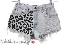 Vintage Levis LEOPARD PRINT Destroyed Denim by kaleidoscopeeyesvtg from Kaleidoscope Eyes Vintage. Saved to We Summer! Diy Shorts, Diy Jeans, Cheap Jeans, Outfits For Teens, Cute Outfits, Summer Outfits, Diy Fashion, Fashion Outfits, Leopard Print Shorts