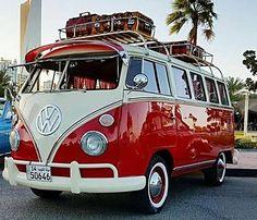 Volkswagen Buss and Campers Volkswagen Vintage, Transporteur Volkswagen, Vw Bus T1, Vw Vintage, Wolkswagen Van, Carros Retro, Combi Ww, Vw Caravan, Caravan Ideas