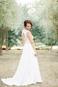 Liah Roebuck Bridal Design is located in New Plymouth, New Zealand. Designing and creating your dream custom wedding dress. Custom Wedding Dress, Wedding Dresses, New Dress, Custom Design, Flower Girl Dresses, Gowns, Bridal, How To Wear, Photography