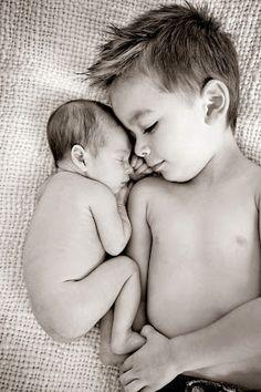 Mãe de Guri: 15 fotos criativas para fazer entre irmãos!