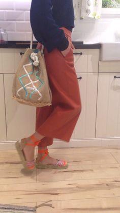 #alpargataspersonalizadas de colores fucsias para destacar este #verano2016 ¿te gustan? + mochila-bandolera #bohochic ⬇️www.carinavalentina.com #firmadebolsos #bolsodemano #bolsosdelujo #Carterademano #clutch #primavera #newcolletion #luxury #lujo #elegant #mujer #style #modafemenina #primavera #bolsosmoda #valencia #espardeñas #madeinspain #coloresfofi #handmade #alpargatas #mochila #bandolera #carinavalentina