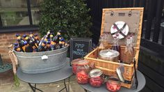 Drinks Reception #thegranaryestates #thegranarybarns #pimms #pimpmyprosecco #baskets #drinksreception #bottlebeers #icebusket