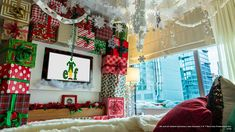 This year, Club Wyndham's Midtown 45 will transform one of its one-bedroom suites into the ultimate, holiday-themed room inspired by Buddy the Elf. Christmas Room, Christmas Travel, Christmas Elf, Christmas Dance, Office Christmas, Christmas Ideas, Christmas Ornaments, Elf Christmas Decorations, Elf Decorations