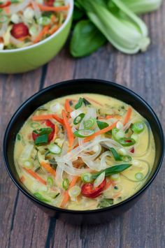 Thai Recipes, Asian Recipes, Healthy Recipes, Vegan Thai Curry, Zucchini Curry, Vegan Baby, Food And Drink, Yummy Food, Lunch