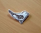 Freemotion embroidered felt bird brooch in ivory and brown by mysmallworld on Etsy £5.00