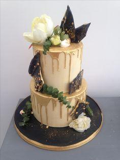 Black and gold chocolate shard drip cake