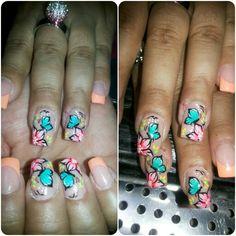 Mariposa flor nails