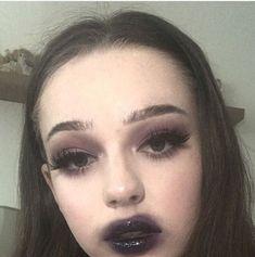 Emo Makeup, Grunge Makeup, Dark Makeup, Skin Makeup, Makeup Inspo, Makeup Art, Makeup Inspiration, Beauty Makeup, Unique Makeup