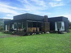 Casas prefabricadas de estilo por 2424 ARQUITECTURA Style At Home, Sips Panels, Prefab Homes, Tiny Living, Tiny House, Facade, House Plans, New Homes, Cottage