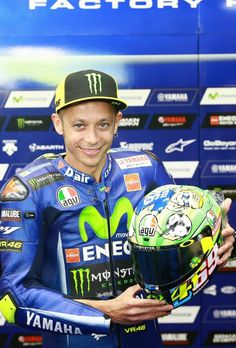 Nika // Slovenia // 20 // MotoGP // // and a many others ; Motogp Valentino Rossi, Valentino Rossi 46, Dr World, Yamaha Motorbikes, Nicky Hayden, Bike Bmw, Family Get Together, Vr46, T Mo