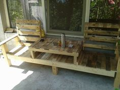 #PalletBench, #PalletTable, #RecyclingWoodPallets A creative bench with an integrated table in the middle, all made from reclaimed wooden pallets.