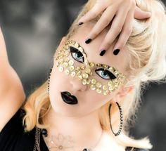 Foto: Hetizia Model: Sabrina Make-up: Nadja Tschinder Klagenfurt, Halloween Face Makeup, Make Up, Ear, Model, Gold, Fashion, Makeup, Moda